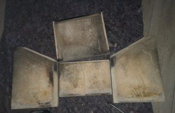Wie bekomme ich Schamottesteine sauber?