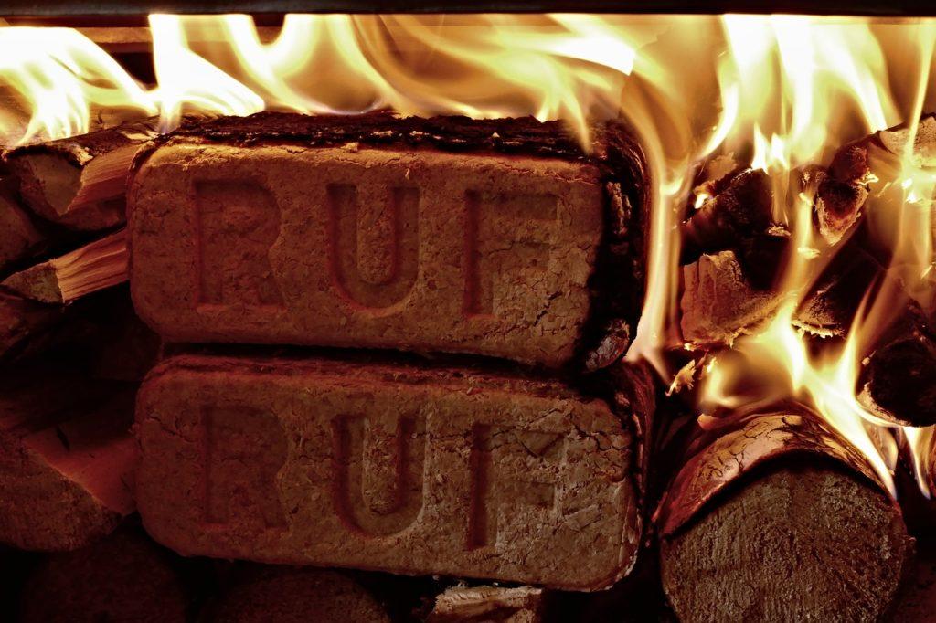 Nach DIN EN ISO 17225-3 Prüfung zertifizierte Holzbriketts der Marke RUF